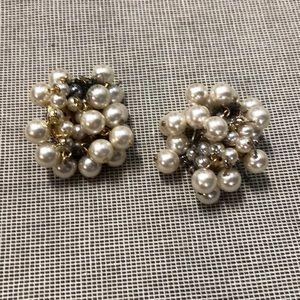 Pearl earrings vintage